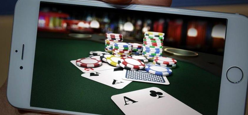 Untung Besar dari Bermain Poker Online